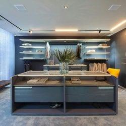 Ambiente com móveis planejados ORNARE