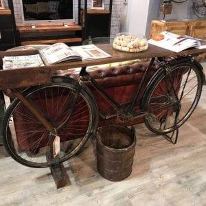 Bicicleta aparador em Milão