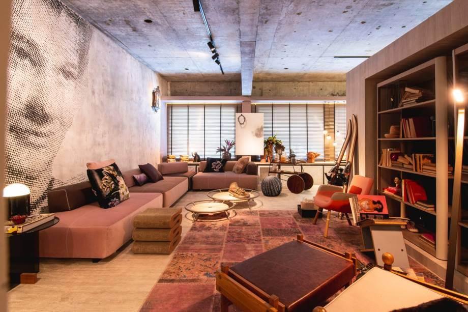 Sala de estar rosa na CASACOR CE