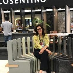 Cris Paola no estande da Cosentino - Expo Revestir