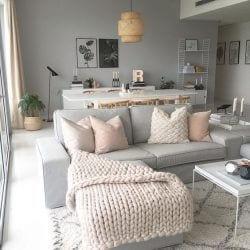 Sofá com maxi tricot