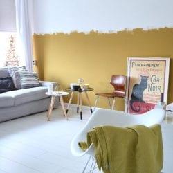 Ambiente com parede amarela