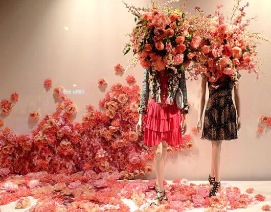 vitrine com flores
