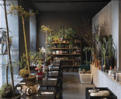 Restaurante com plantas