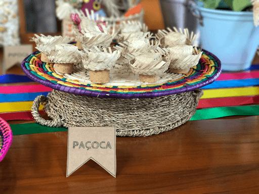 Papelaria personalizada para mesa de festa junina
