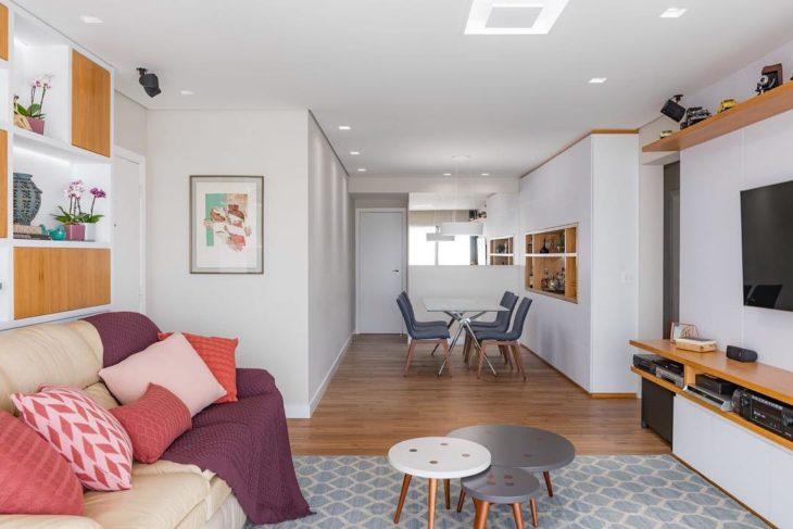 Sala com piso de madeira- Tendência e praticidade em revestimento