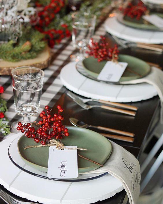 dicas natalinas : mesa postal de natal dourada e branca