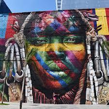 mural feito pelo artista Kobra