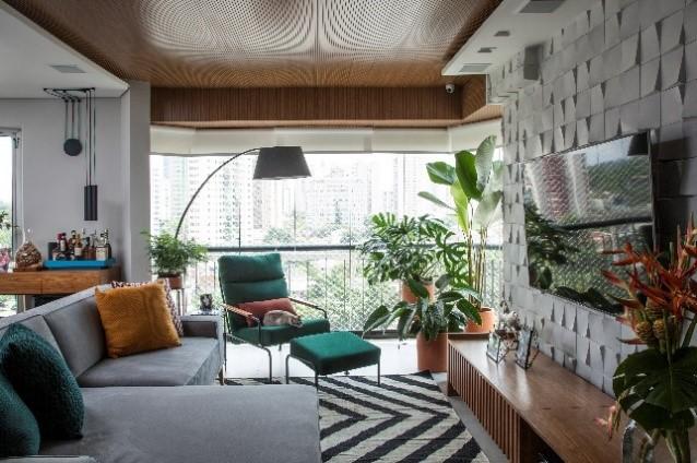 visão da sala de estar para a varanda