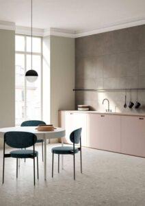 Cozinha minimalista com móveis duráveis