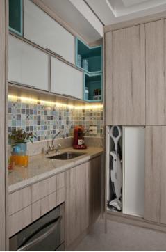 Cozinha pequena com mini azulejos