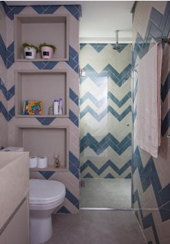 banheiro com azulejo chevron